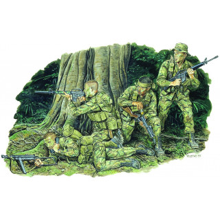 Model Kit figurky 3313 - MARINE RECON (1:35)