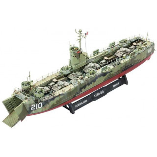 Plastic ModelKit loď  05123 - U.S. Navy Landing Ship Medium (LSM)  (1:144)