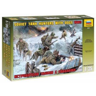 Model Kit figurky 3611 - Soviet Tank Hunters with dogs (1:35)
