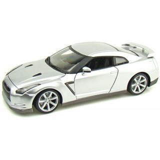 Bburago Nissan GT-R 2009 Diamond 1:18 ezüst
